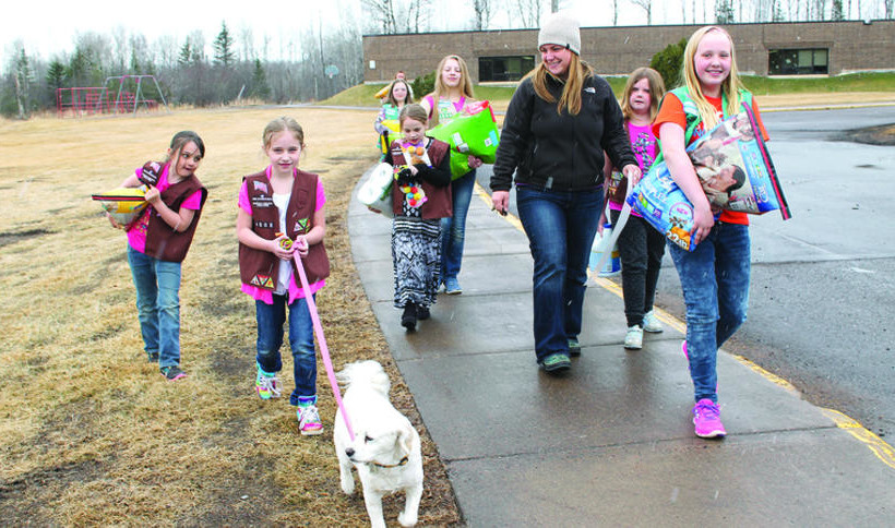 Girl Scouts lend a hand